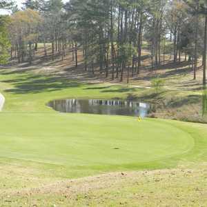 Pine Oaks Golf Club in Robins AFB